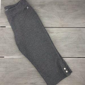Danskin grey capris pants large